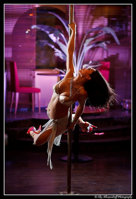 Megumi Yuzuki / 柚月恵 - Pole Dancer by Ilko Allexandroff (a.k.a. sir_sky), via Flickr