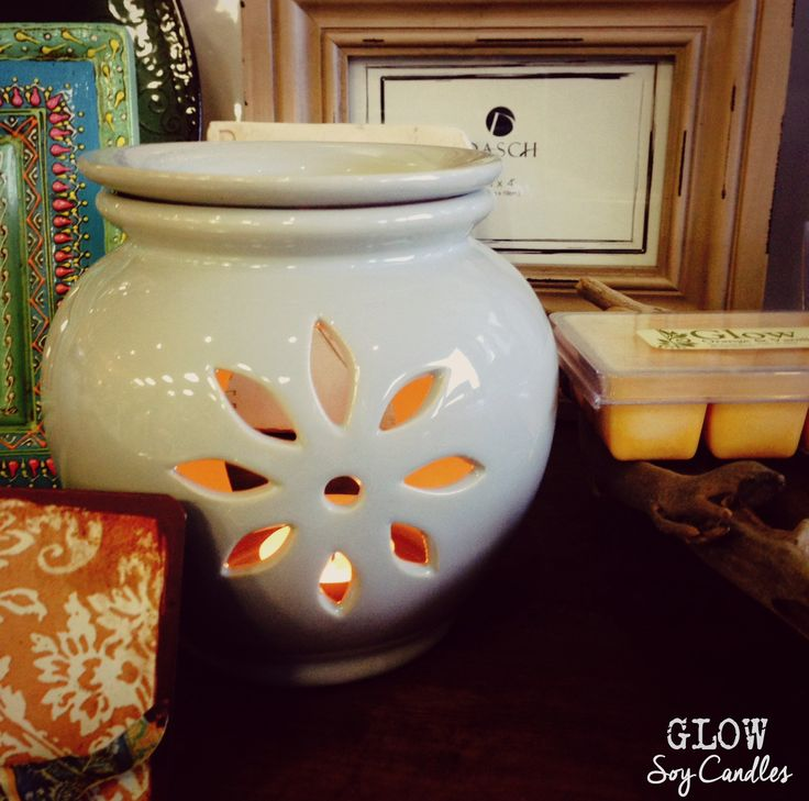 Glow Candles. Handcrafted fragranced soy candles, melts, tealights and reed diffusers. Made in Mt Gambier, South Australia.