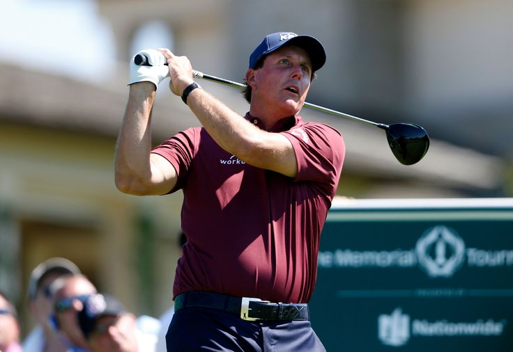 Tiger Woods Phil Mickelson contrasts in U.S. Open spotlight