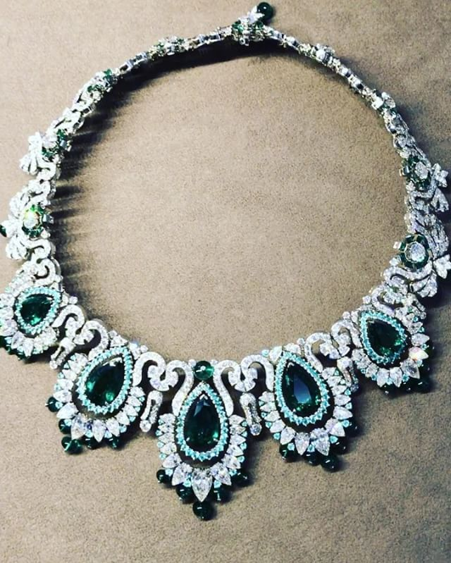 Paraiba Tourmaline And Emerald Necklace Of Van Cleef Arpels Jewelry Jewels
