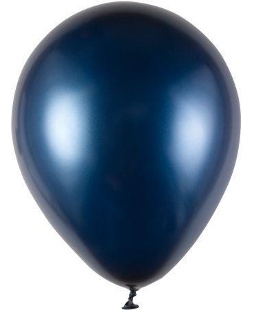 Pärlemorballong i marinblått. #calligraphenwedding #calligraphendetails #balloons #blue #blå #wedding #bröllop # bröllopsdekorationer #ballonger