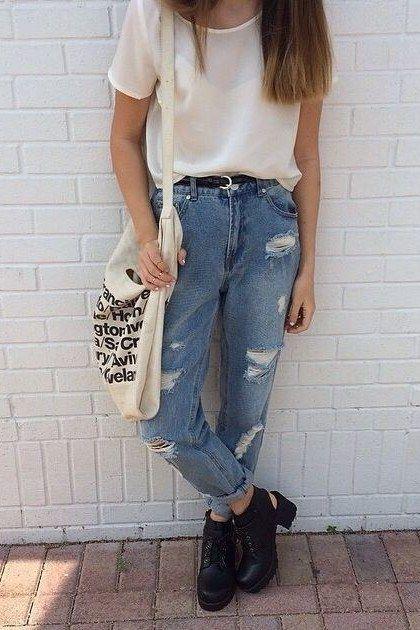 Calças jeans folgadas são uma opção confortável, não importa em que década você viva.