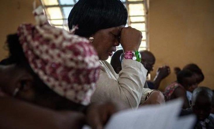 Ebola : Les trois pays touchés comptabilisent 7.842 décès sur 20.081 cas - 30/12/2014 - http://www.camerpost.com/ebola-les-trois-pays-touches-comptabilisent-7-842-deces-sur-20-081-cas-30122014/?utm_source=PN&utm_medium=CAMER+POST&utm_campaign=SNAP%2Bfrom%2BCamer+Post
