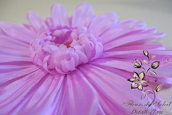Шелковая гербера. Больше работ на сайте www.detali-71.ru Gerbera natural silk. Handmade. Author Elena Barinova