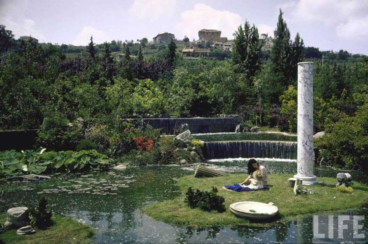 Sophia Loren's Home in Rome (pictures with children) via Tres Bohemes