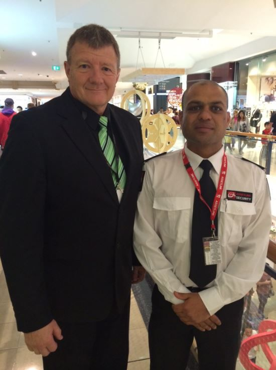 In the lead up to the Christmas rush, Highpoint Shopping Centre increased their security presence, and received an early Christmas present with the roll out a new Assetlink security uniform, as well as taking possession of a brand new Guest Services Vehicle.This uniform has been created to facilitate all Security uniform requirements nationally where the client branded uniform is not in use.