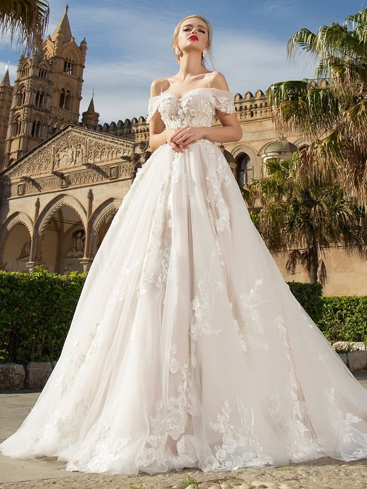 Pin by Phylliss Mei on Beautiful Wedding Dress & hair   Pinterest ...