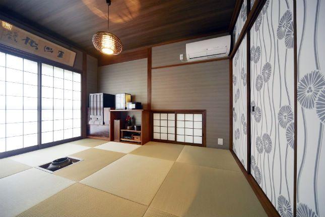 施工事例 和室 モダンなクロスと照明でおしゃれな和室