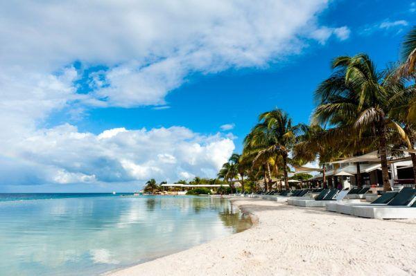 Vakantie Curaçao! Nu 9 dagen inclusief retourvlucht, transfer en verblijf in een goed beoordeeld hotel midden in Willemstad voor maar €459!