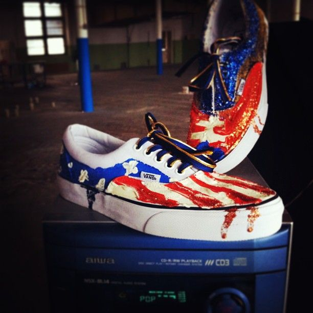 #customsneakers #vansera #katarinajaneckova x #sneakerbarber