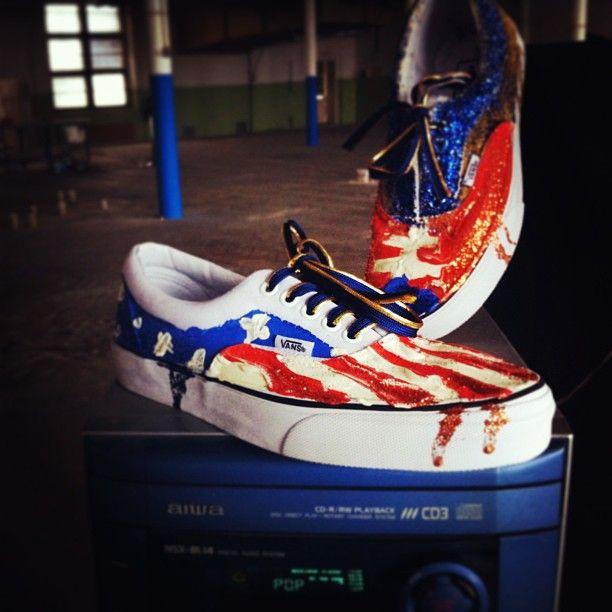#customsneakers #vansera #katarinajaneckova x #sneakerbarber