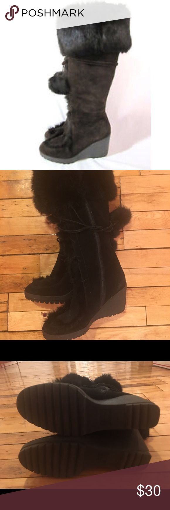 Pom Pom Coach boots with rabbit fur Pom pom Coach boots with rabbit fur. One pom pom is missing, although this is not noticeable when wearing. Coach Shoes Heeled Boots