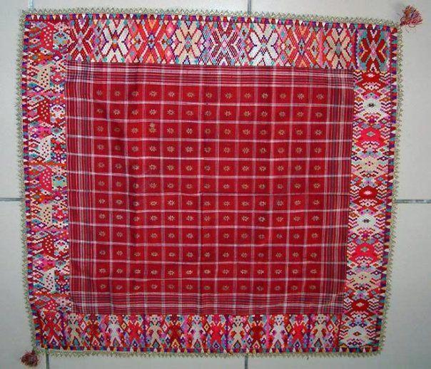 Tutuik (cover) Minangkabau people West Sumatra - Sumatra - Indonesia Embroidery. Silk - Cotton.