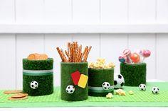 Tischdekoration für die Fußballparty.   Umsetzung und Foto: Thordis Rüggeberg