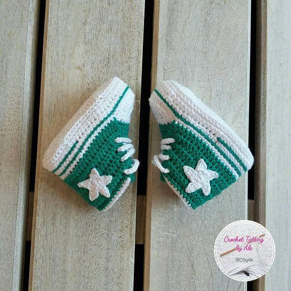Scarpine, scarpette uncinetto converse - neonato  - misura 16 - 3-6 mesi circa