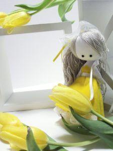 rag doll, scralette, demoiselle de chiffon, poupée de chiffon, robe jaune