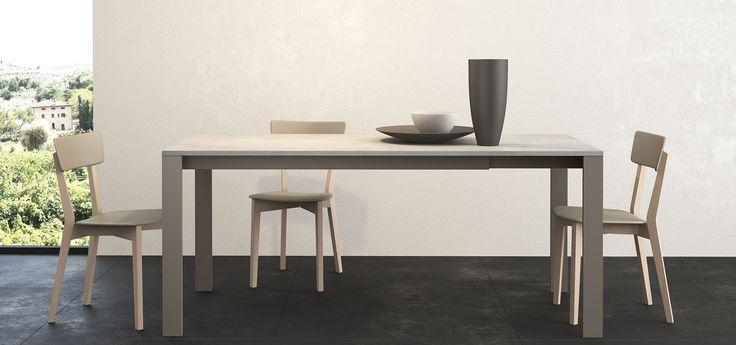 PLAY  Tavolo allungabile ( 1 prolunga da 40 ) struttura in metallo con top in laminato sp.2 cm o in vetro  http://www.arredo3.it/tavoli/moderno/play/