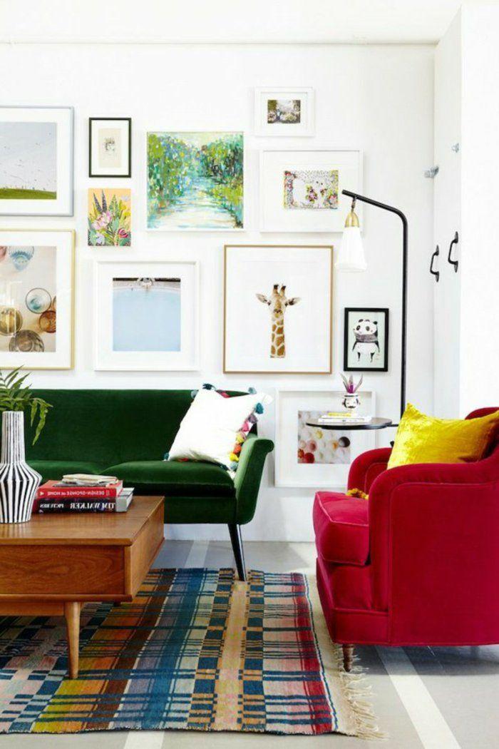feng shui maison, tapis multicolore, murs blancs, fauteuil rouge, canapé vert
