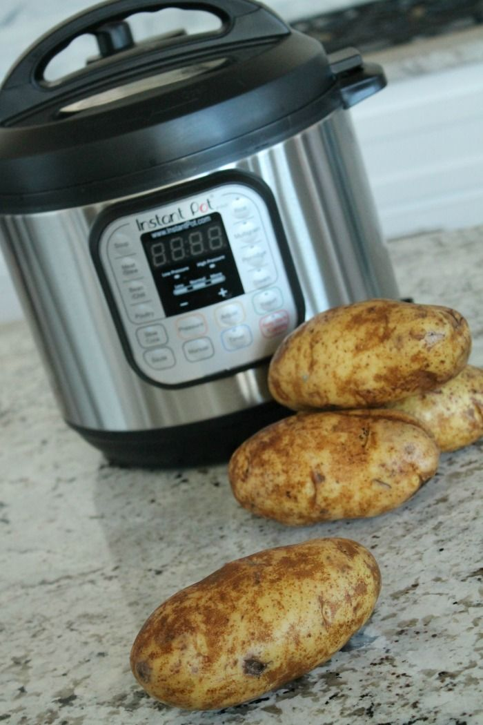 I want to show you all How to Make Baked Potatoes in the Instant Pot today! This is one of my FAVORITE new ways to cook things, it is SUPER easy and I love how fast it is! This is the perfect way to cook baked potatoes without it taking forever!
