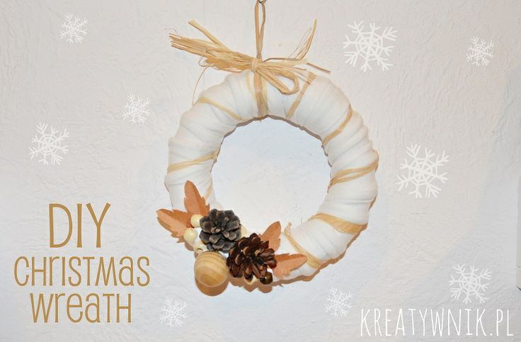 Easy to make a Christmas wreath... http://kreatywnik.bloog.pl/id,339185000,title,Swiateczny-wieniec-DIY,index.html