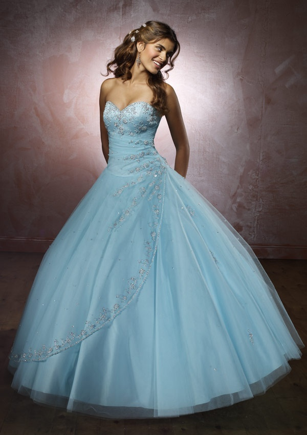 Strapless light blue dress with jewels and tool