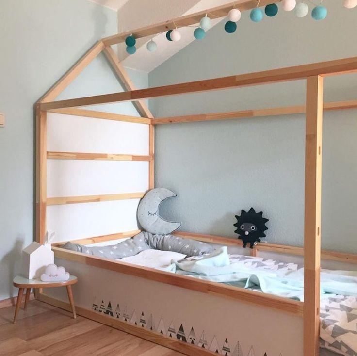 Kinderbett ursprünglicher Bett-ikea-Kura-personalisierte Bett-Haus-Kranz dekoriert