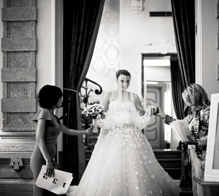 Fairytale wedding in Chateau Monfort-Nataly, Ile Elle and the stunning bride,Kat.