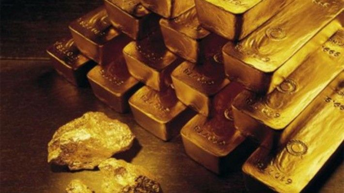 Trump slump gold price tumbling Gold gold price tumblingGold is trading at $1257.00 per ounce at 10:40 GMT this morning, 0.13% lower from the New York close. This morning, the precious metal traded at a high of $1265.00 per ounce and a low of $1250.40 per ounce. Yesterday, gold traded 1.73% lower in the New York session and closed at $1258.60 per ounce, extending its previous session losses. Immediate downside, the first support level is seen at $1243.53 per ounce, while on the upside…