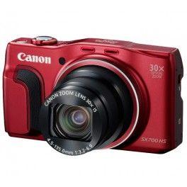 Le Canon PowerShot SX700 HS est le compact à emmener en voyage. Cet appareil léger propose un zoom optique ultrapuissant 30x et un capteur CMOS de 16 mégapixels avec objectif grand angle 25 mm.Connecté Wi-Fi et NFC, le PowerShot SX700 HS permet l'envoi rapide d'images sur les réseaux sociaux depuis un smartphone. Cet appareil permet aussi la géolocalisation avec sa puce GPS.Cet appareil saisit de très belles images, même en basse lumière, grâce à son système haute sensibilité. Son processeur…