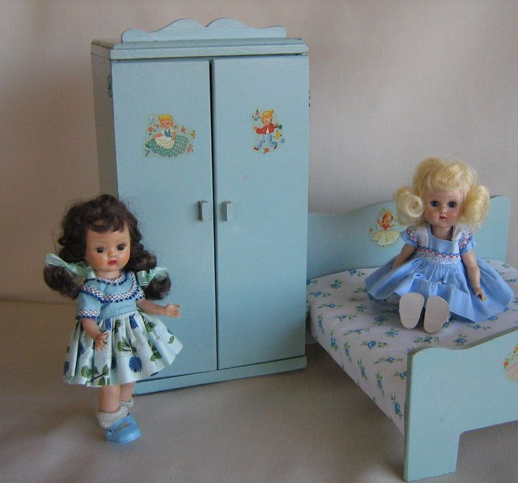 "RARE 50's Madame  Alexander ""Start-A-Home-For Alexanderkins"" GREYHOUSE CREATIONS Wardrobe Armoire-Tagged!  Play Scale for 8""-12"" Dolls"