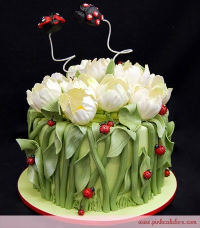 Tulip Wedding Shower Cake ilovemakeup