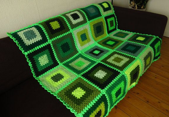 Treat yourself or someone you love to this bright green throw blanket. Measuring 47 inches x 47 inches (120cm x 120cm) its the perfect size for all