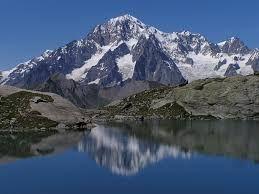 L'Associazione Via del Mare per il fine settimana del 18 e 19 luglio propone splendide escursioni, panorami mozzafiato, laghi, ghiacciai, avvistamento animali, boschi, fiori e relax lungo i sentieri