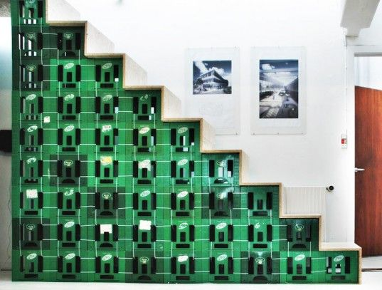 Amazing recycled staircase built entirely from old milk crates and OSB boards. The design is stripped together so that the staircase can be easily disassembled.