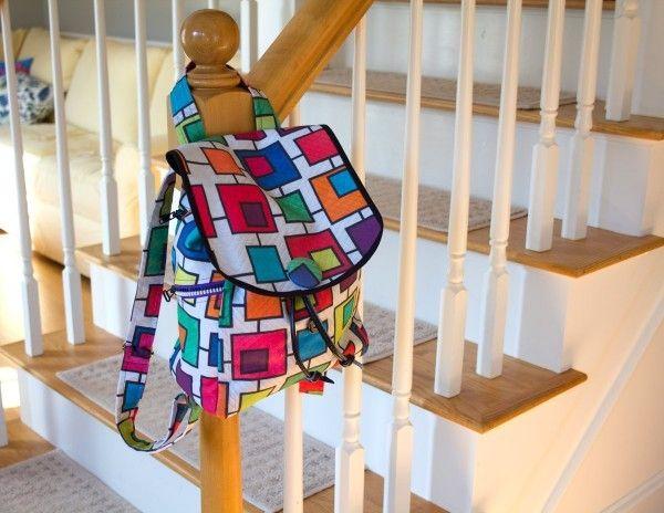 Un petit sac à dos proposé par We all sew , à faire pour les petits ou les grands. Ce sac est simple à réaliser en suivant les deux tutoriels bien détaillés au pas à pas avec de belles photos. - tutoriel 1 (extérieur) - tutoriel 2 (intérieur) Bonne couture...