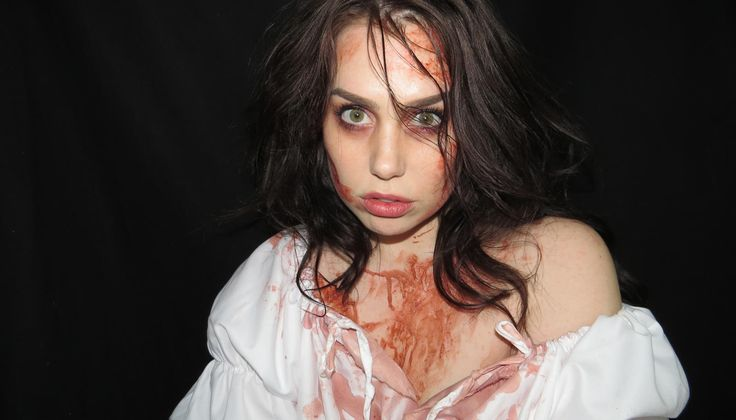 This Lady Macbeth Costume Requires Little More Than A $20 Nightgown. With the right tools and technique, you can create this in 30 minutes--even if all you're wearing is a nightgown.