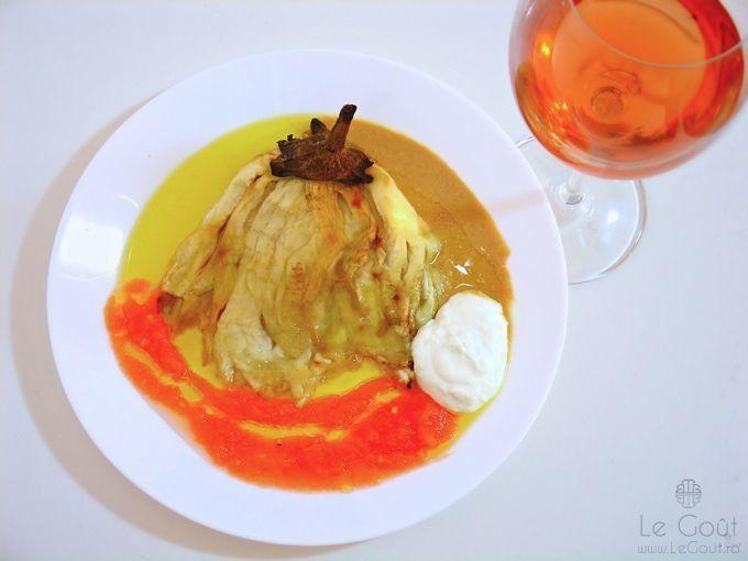 Baba Ganoush la farfurie (cu tahini facut in casa) - Baba Ganoush on a plate (with homemade tahini).
