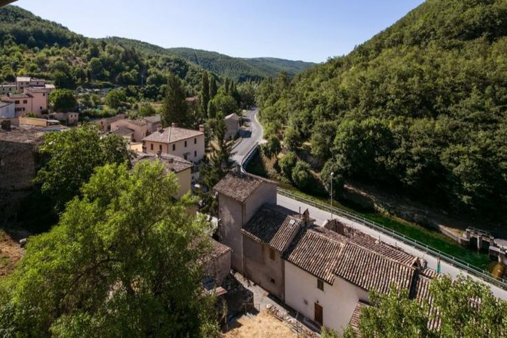 View of Rasiglia di Foligno, the ideal place to relax in Umbria