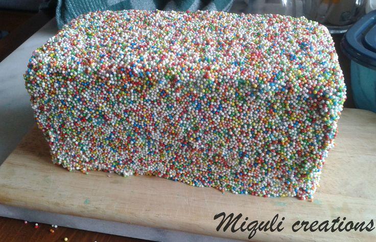 Luie taart. Mei 2015 Miquli creations.  Na de dinotaart was de puf echt op ;-) Lazy baker cake.