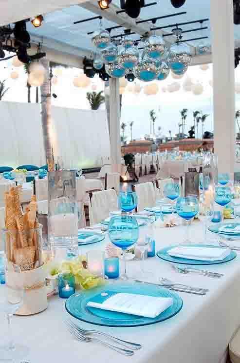 ... mariage bleu , lustre bleu mariage ,table bleu aqua mariage deco