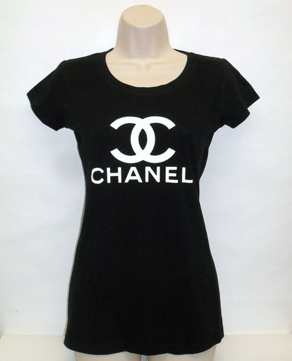 De la femme Chanel Fashionista Dame monté Top T par Lucky4Luxury