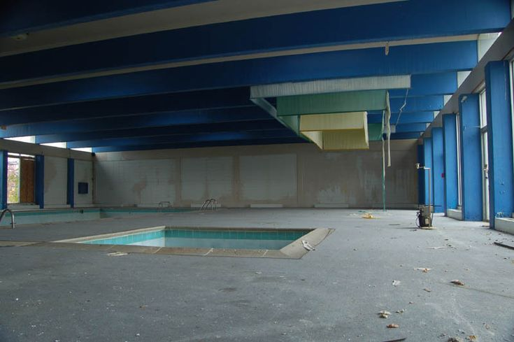 Abandoned Hotel in Ohio: Abandoned Hotels, Inn Hotels, Abandoned Empty Swim, Randal Parks, Abandoned Pools, Abandoned Places, H2O Parks, Pity Pools, Hotels Motel
