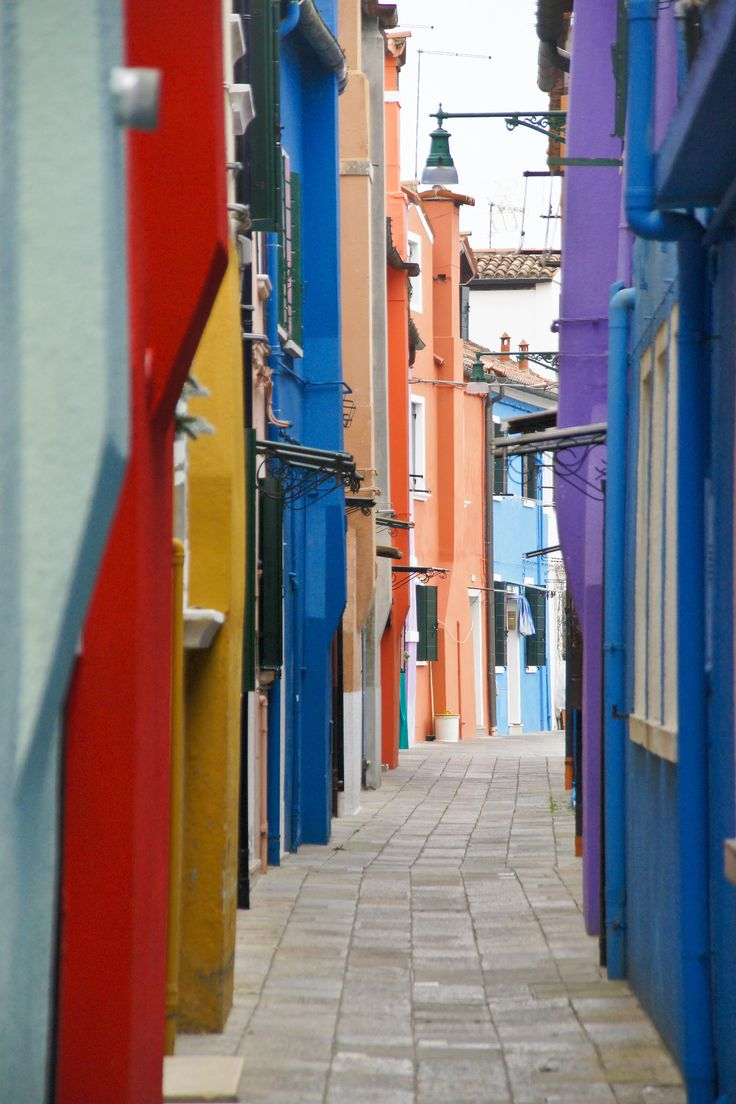 #burano #venezia #italy #colorfulhouses #buranoisland  full album: https://www.flickr.com/photos/stimoroll/sets/72157663244720191/with/24182994742/