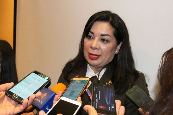 Elsa Eliuth Gurrola Ibarrola, delegada federal del Instituto Nacional de Migración en Michoacán, dijo que desde el 2007 la tendencia en deportaciones ha ido a la baja, pues muchos mexicanos ...