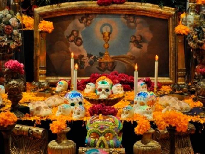 DIA DE LOS MUERTOS/DAY OF THE DEAD~Altar. Qué significa lo que lleva la ofrenda de muertos | Garuyo.com