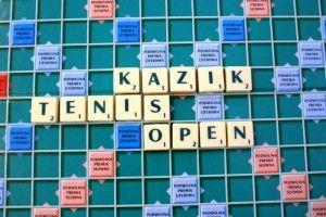 Uczniowie  z Warszawskiego Liceum zorganizowali turniej w tenisie stołowym. Jak to zrobić, żeby zaangażować wszystkich uczniów i odnieść sukces? Przeczytajcie na ich blogu.