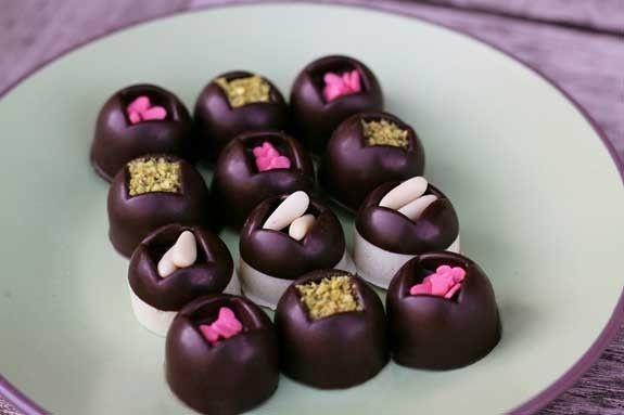 Cioccolatini ripieni come idea regalo fai da te  #faidate #diy #fattoamano #regali #regalo #natale #ideeregalo #cioccolatini