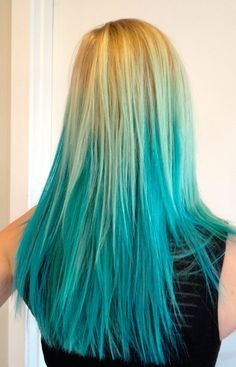blonde ombre hair with blue is how i wanna dye my hair <3