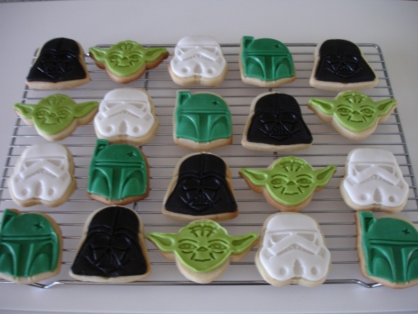 Star Wars Cookies..this is genius and I think I can do it with my Marvel William Sonoma cookie cutters for my son's super hero themed birthday party