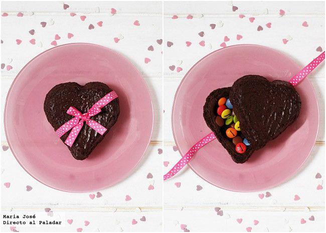 Cajitas sorpresa de brownie de chocolate. Receta para San Valentín